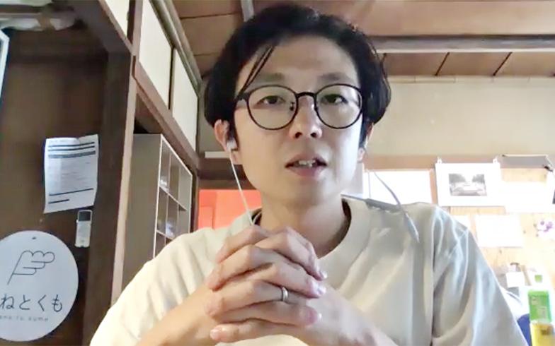 蒲田にある木造賃貸物件にあるモクチン企画オフィスで取材に応じていただいたNPO法人モクチン企画代表の連勇太朗さん(筆者撮影)
