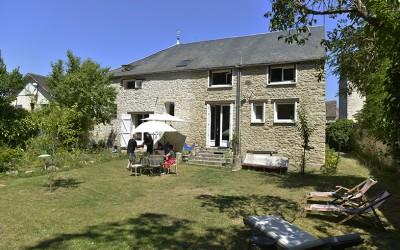 パリの暮らしとインテリア[6]田舎の週末の家でガーデンランチや陶芸を楽しむ