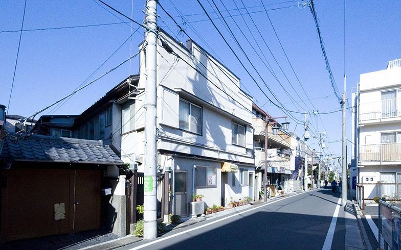 紫雲荘は赤塚不二夫が借りていた当時のまま残っており、彼が仕事をした部屋も再現してある(写真提供/豊島区)