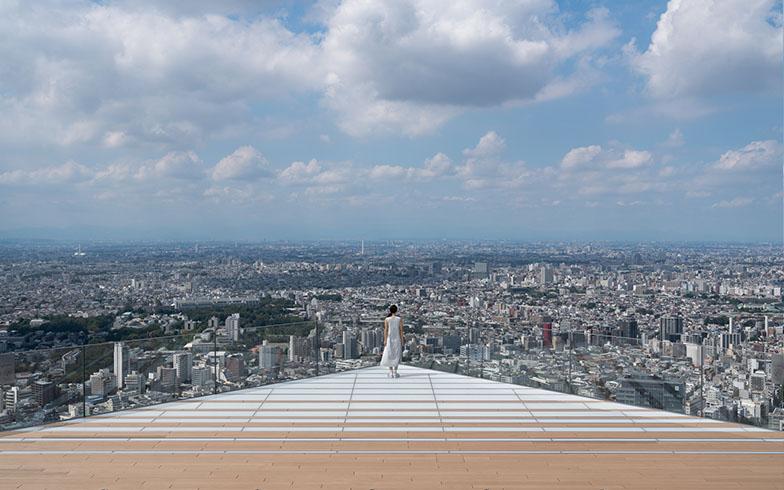 渋谷区の返礼品の中には「渋谷スクランブルスクエア」の展望施設「SHIBUYA SKY」入場チケットも。約230mの高さから、スクランブル交差点や富士山、東京スカイツリーなどを一望できる(画像提供/渋谷区)