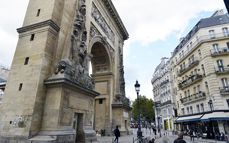 自宅からこのサン・ドニ門をくぐればパリの中心地へ、毎日必ず見る光景(写真撮影/Manabu Matsunaga)