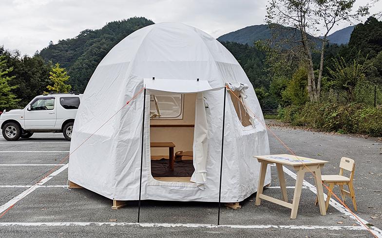 2020年10月にお披露目となった「ルースターハウス」。見た目はかわいいが、避難所になる(写真提供/小菅村)
