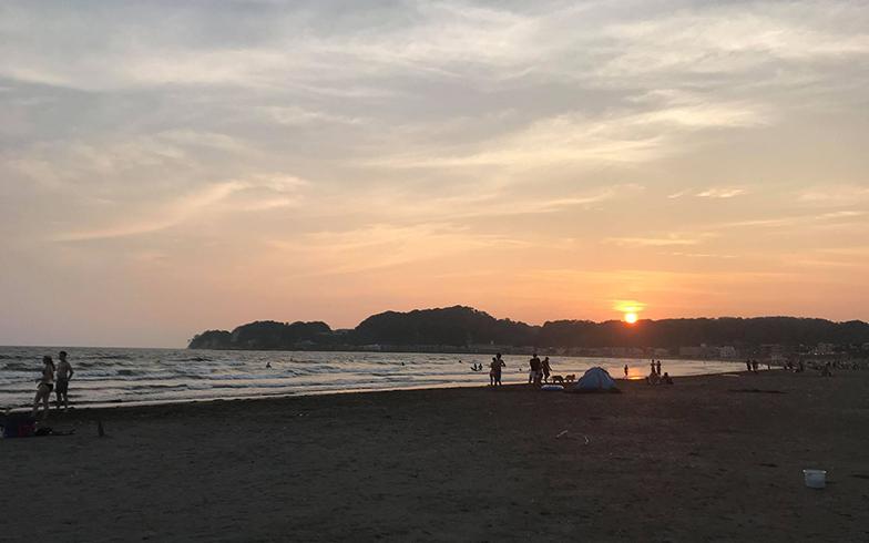 大学時代は徳島で、山も海も近い環境に親しんでいた小林さん。サーフィンが趣味になったのも、徳島での暮らしがきっかけだ。「前の職場の社長が鎌倉在住で、何度か遊びにいく機会があり、憧れの街になりました。でも当時は週5日出社だったので、通勤は大変とあきらめていました」(画像提供/小林さん)