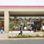 """スーパーマーケットの軒先をまちに開く!""""ご近所さん""""とつながる地域改革"""