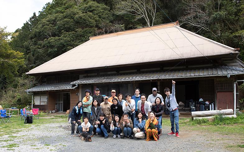 築300年以上のヤマナハウス。都心から訪れた参加者に、里山ツアーや狩猟体験など1泊2日のプログラムが行われた(写真撮影/片山貴博)