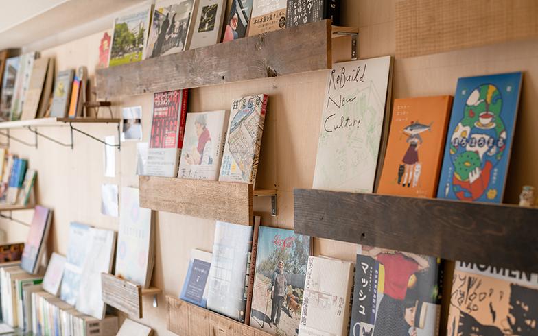 古材は和風住宅で使われていた建材のリサイクル品。「リビルディングセンタージャパン」(長野県・諏訪市)で購入しました(写真撮影/田村写真店)