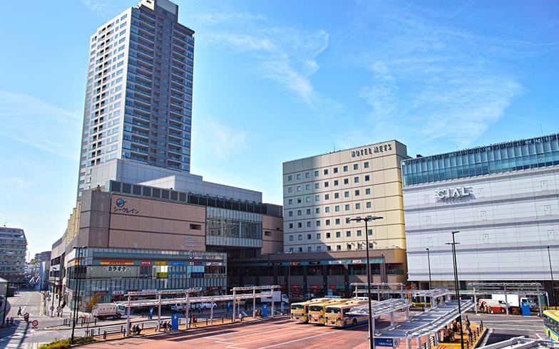 鶴見駅東口(写真/PIXTA)