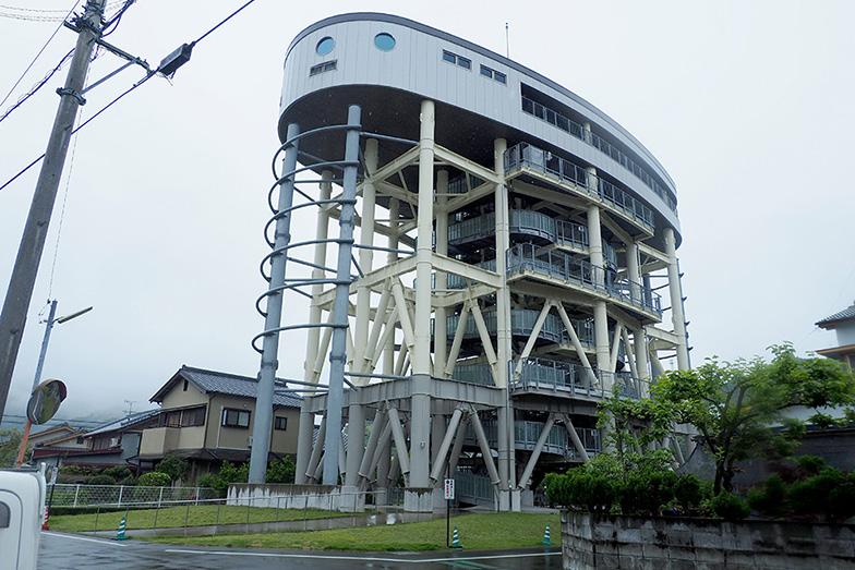 黒潮町で最も高い佐賀地区津波避難タワーは海抜25.4m、収容人数230人を誇る(写真/藤川満)