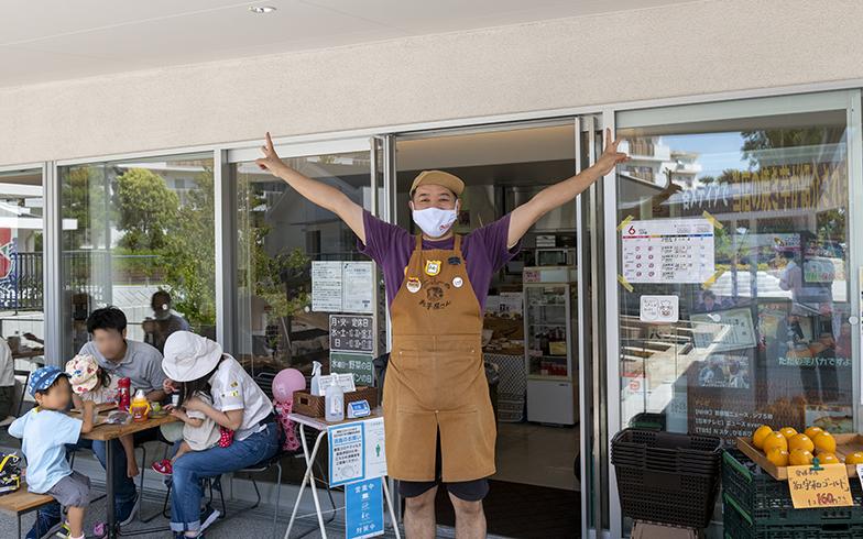 「団地のカフェ」でもある「よっしーのお芋屋さん」。洋光台の名物になりつつありますが、単なるショップではなくコミュニティ拠点としての側面もあわせ持っています(写真撮影/桑田瑞穂)