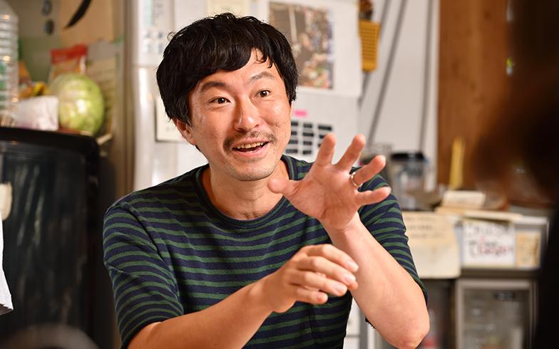 シオヤプロジェクトのメンバーで元住人の小山直基さん(写真撮影/水野浩志)