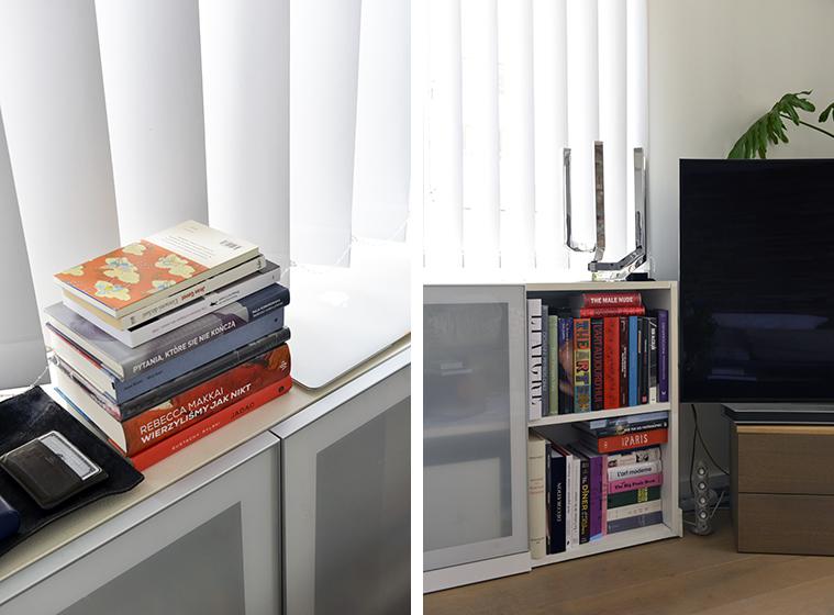 サロンの窓際にある本棚。本棚に収まりきらない本はカーヴ(地下の倉庫)に保管しています(写真撮影/Manabu Matsunaga)