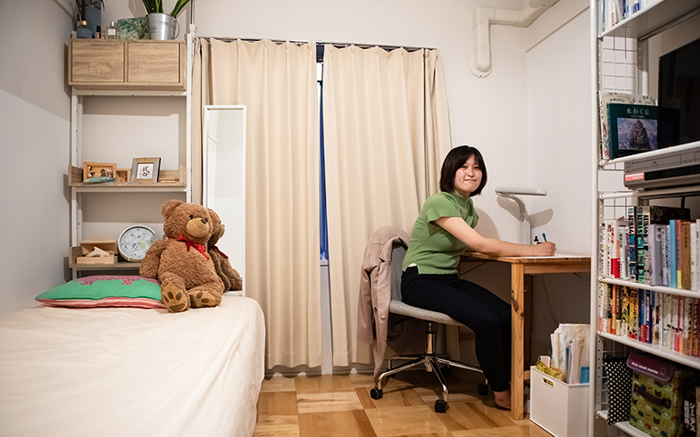 女の子らしい部屋だ(写真撮影/片山貴博)
