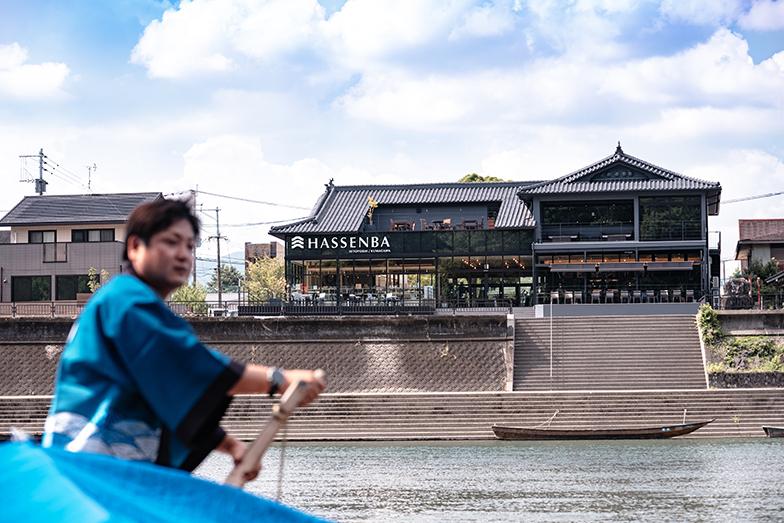 球磨川くだりは、陸の孤島である人吉盆地の物流を担う舟運が起源。人吉球磨の歴史に、球磨川くだりはかかせない(写真提供/タムタムデザイン)