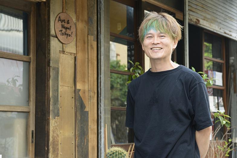 京島で建物の再生を手がけるヒロセガイさん。自身が芸術監督を務める街なか芸術祭「すみだ向島EXPO」がこの10月から開催(写真撮影/内海明啓)