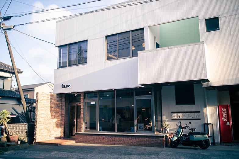「浅井診療所」だった痕跡をそのまま残す、ゲストハウス「tu.ne.Hostel」(写真撮影/ヒロタケンジ)