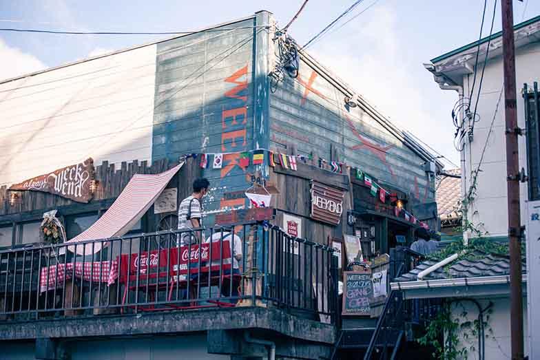 2021年7月半ばにオープンしたばかりのナイトバー「WEEKEND」(写真撮影/ヒロタケンジ)