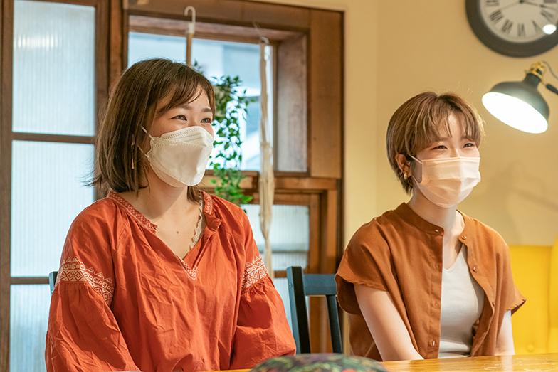 左が1人目の入居者・堀さん、右が奥迫さん(写真撮影/加藤淳史)