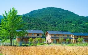 最先端の田舎暮らし「大埜地の集合住宅」。子育て世代を主役に徳島県神山町が挑戦